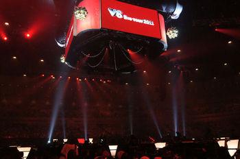 V6 live tour 2011.jpg
